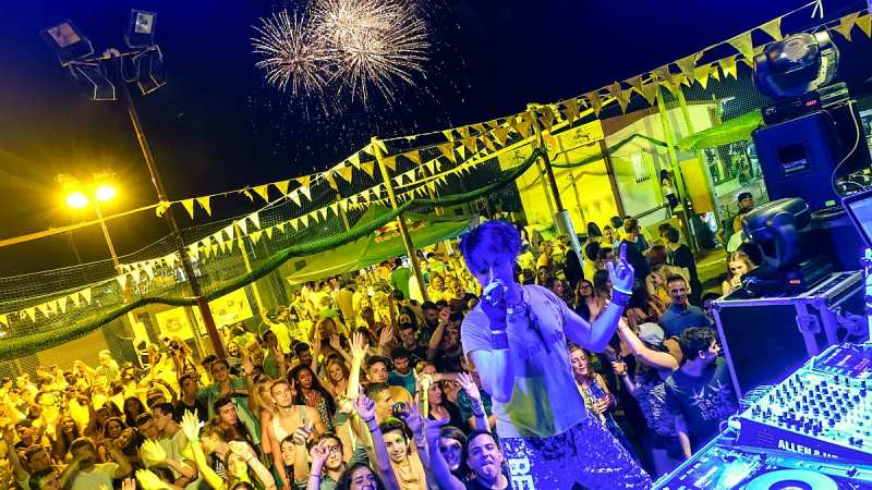 Party unter Italiens Sonne in Rimini